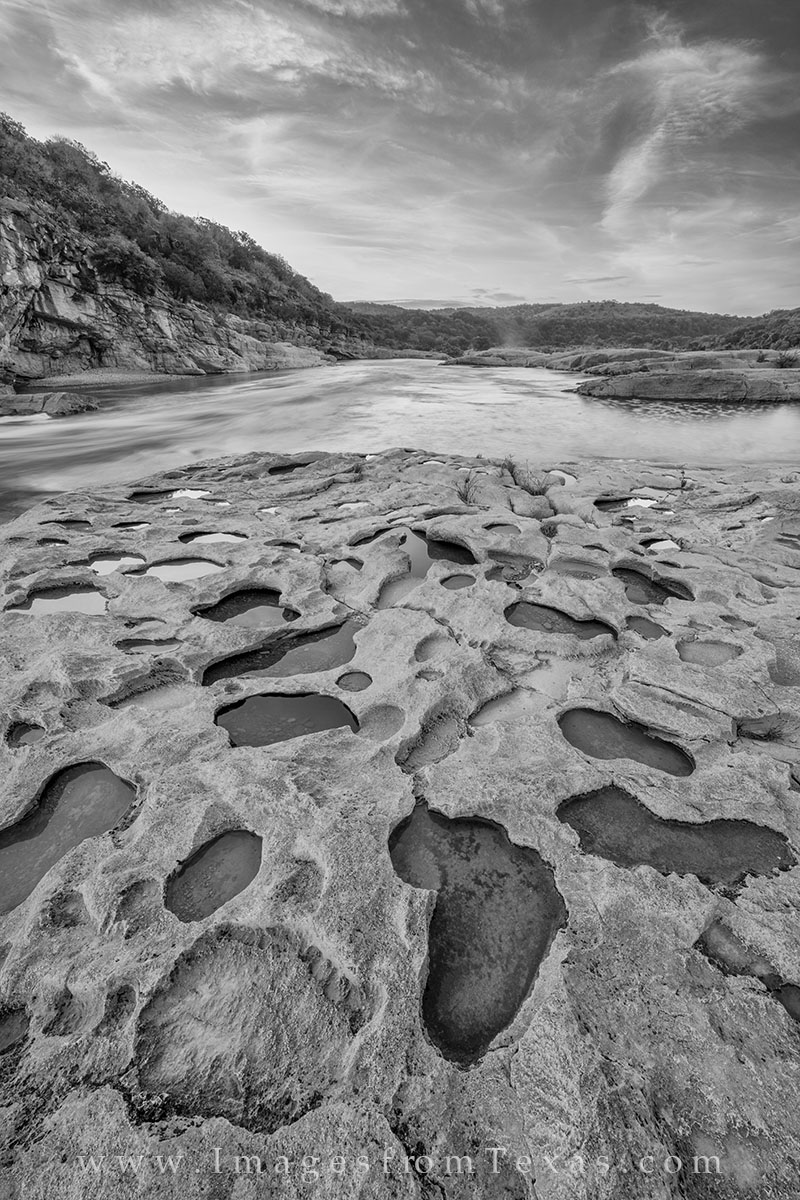texas hill country, pedernales river, texas sunrise, texas hill country photos, pedernales falls state park, black and white, photo