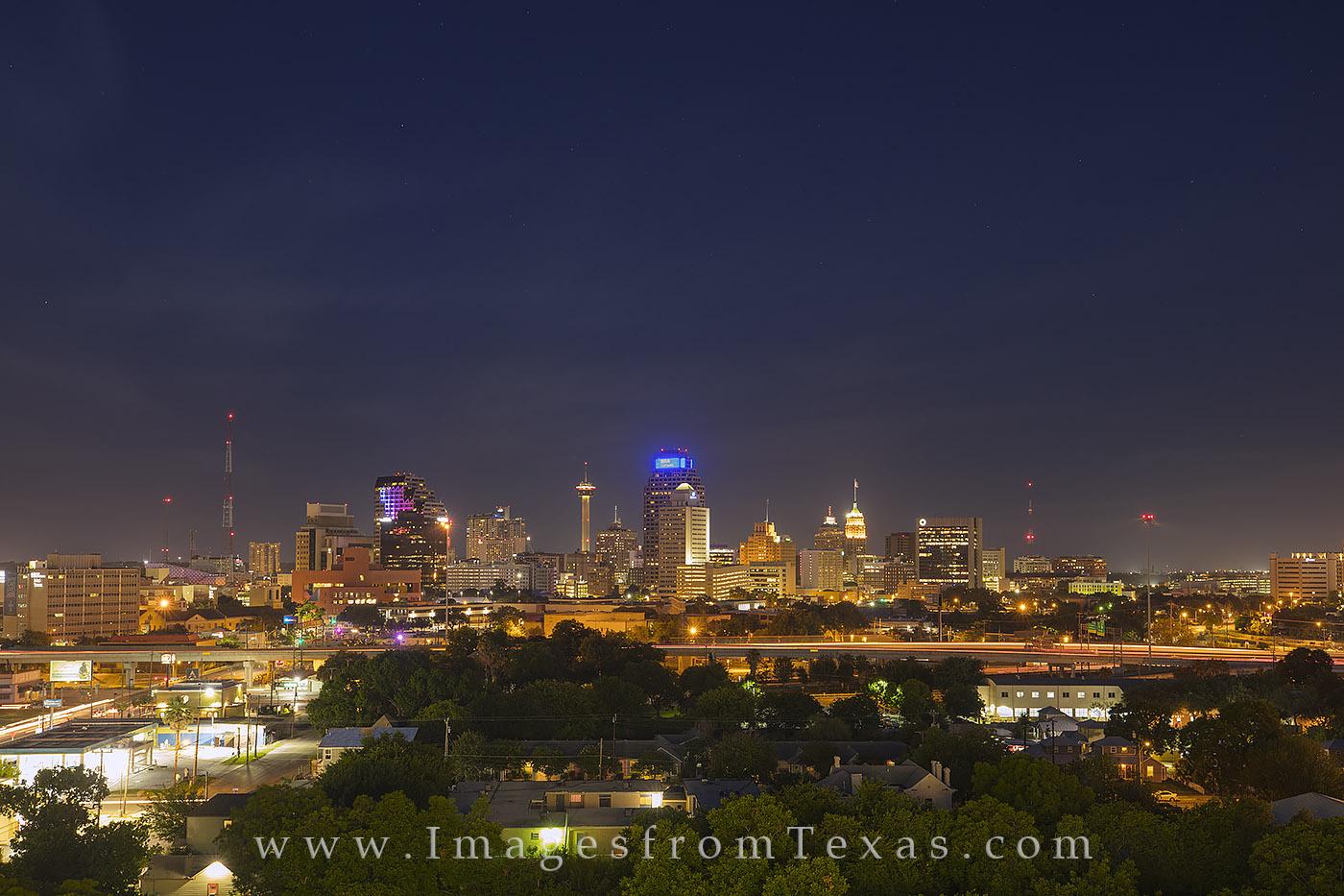 san antonio skyline, san antonio photos, san antonio cityscape, downtown san antonio, san antonio images, san antonio at night, nighttime in San Antonio, photo