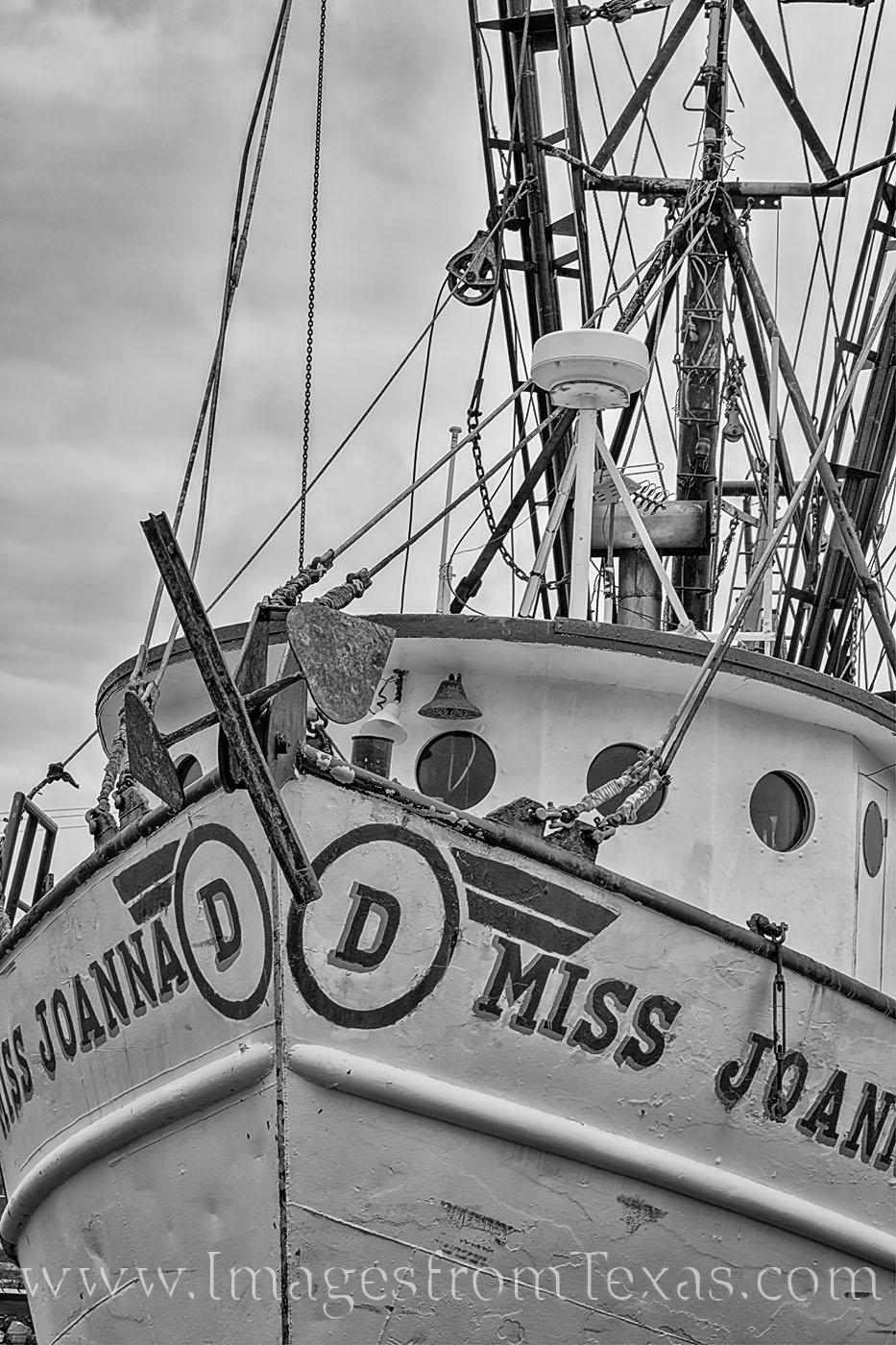 shrimp boat, black and white, texas coast, port isabel, afternoon, spring, south padre, boat, photo