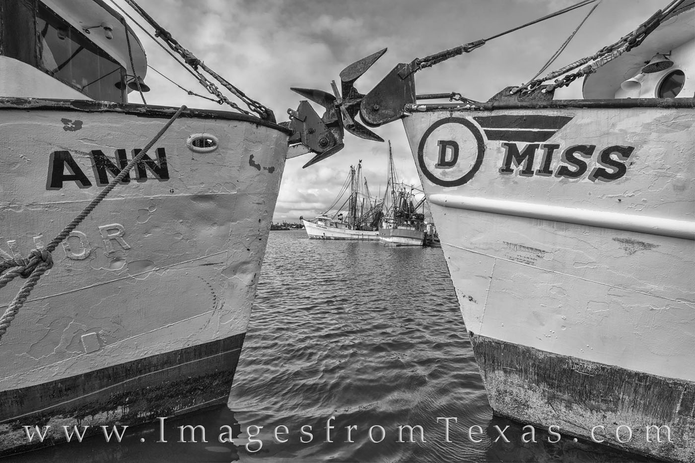 shrimp boats, port isabel, boats, south padre, texas coast, shrimpers, gulf of mexico, south bay, ocean, black and white, photo