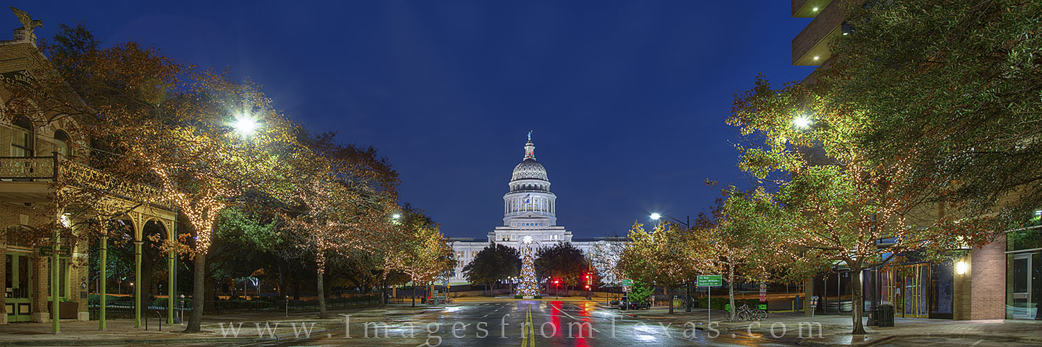 Christmas Panorama at the Texas State Capitol 1 : Austin, Texas ...