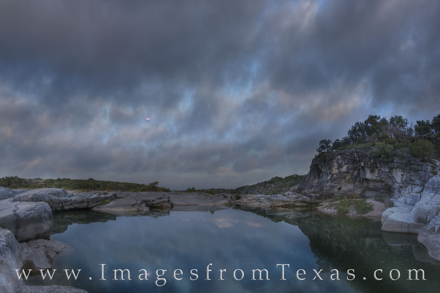 new moon, blood moon, super moon, pedernales, texas hill country, moon, river, morning, sunrise, moonset, pedernales falls, texas parks, state parks, tpw, water, photo