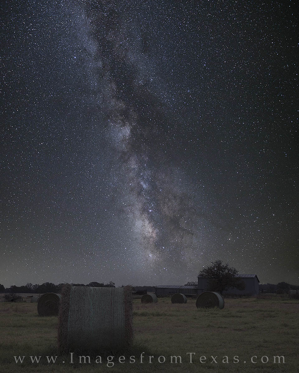 milky way, barn, hay, texas, texas ranch, texas night sky, hay bales, night photography, texas landscapes, photo