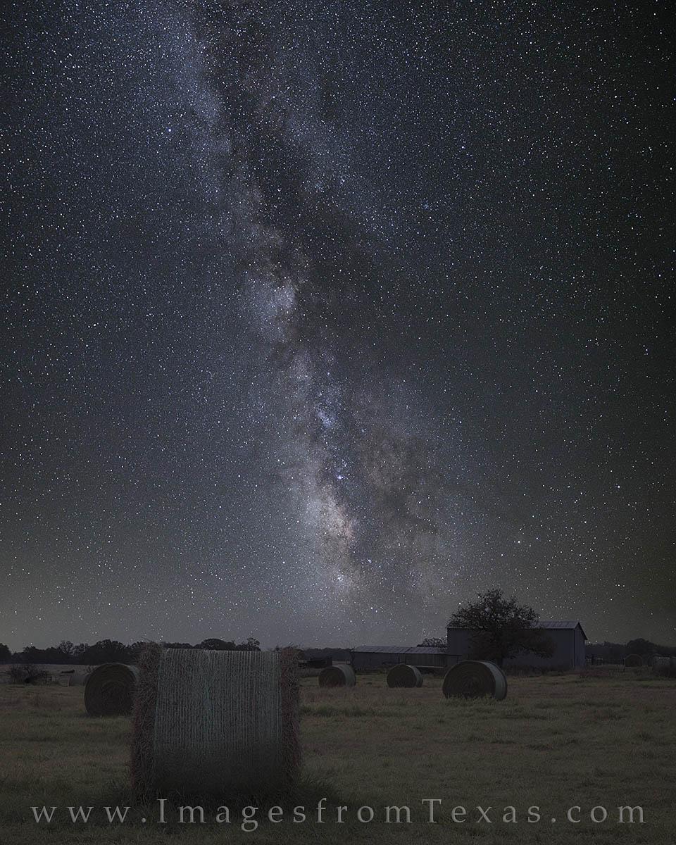 milky way, barn, hay, texas, texas ranch, texas night sky, hay bales, night photography, texas landscapes, photo