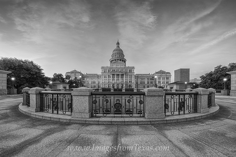 texas in black and white,black and white images,texas state capitol,austin texas,texas capitol, photo