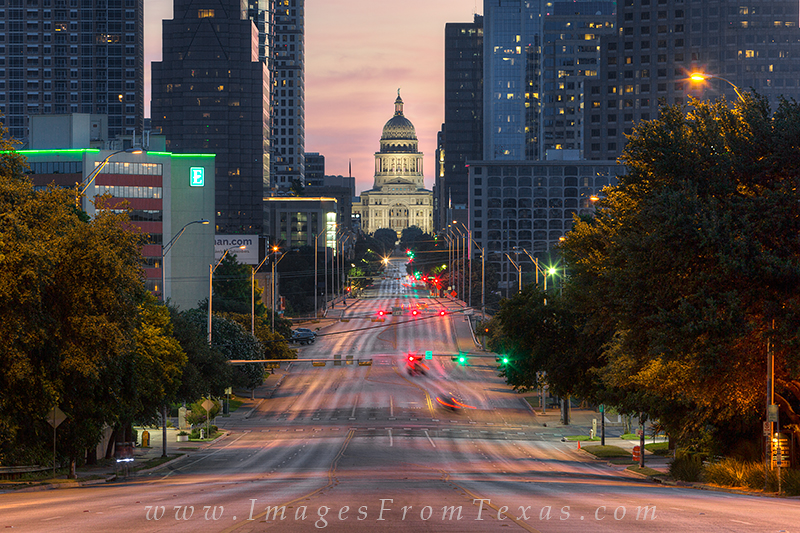 texas state captiol photos,austin skyline photos,austin texas,congress avenue austin,austin texas images, photo