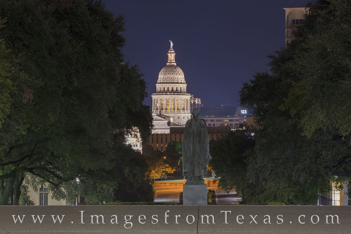 state capitol, texas capitol, george washington, UT campus, University of Texas, south mall, 40 acres, Texas statues, photo