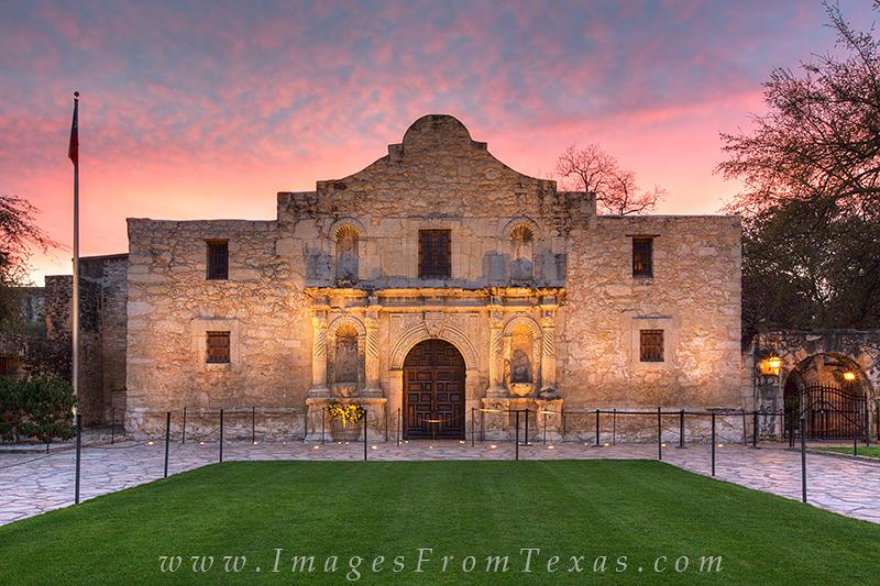 alamo,san antonio,spanish mission,texas history,san antonio prints,riverwalk images, photo