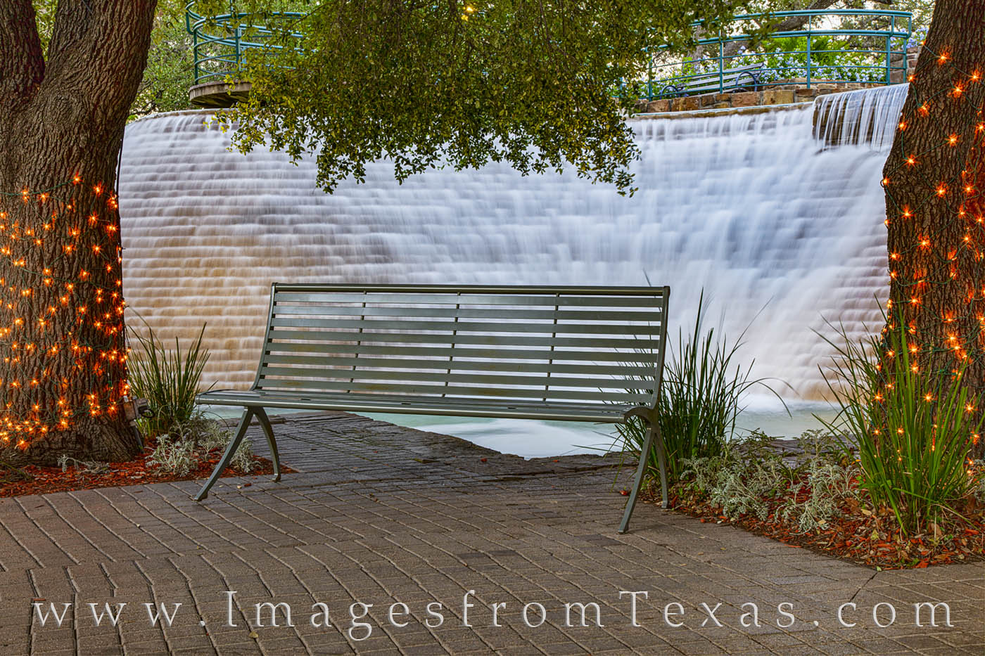 riverwalk, san antonio, cascade, quiet, solitude, bench, sit, photo