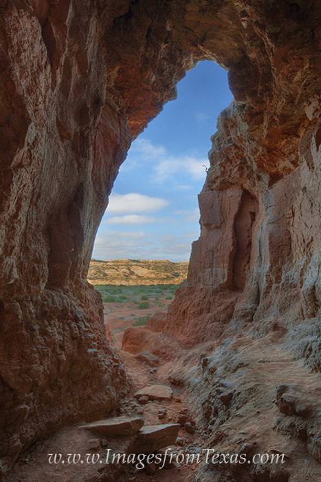 palo duro canyon,palo duro canyon state park,the big cave,the big cave at palo duro,texas images,texas caves, photo