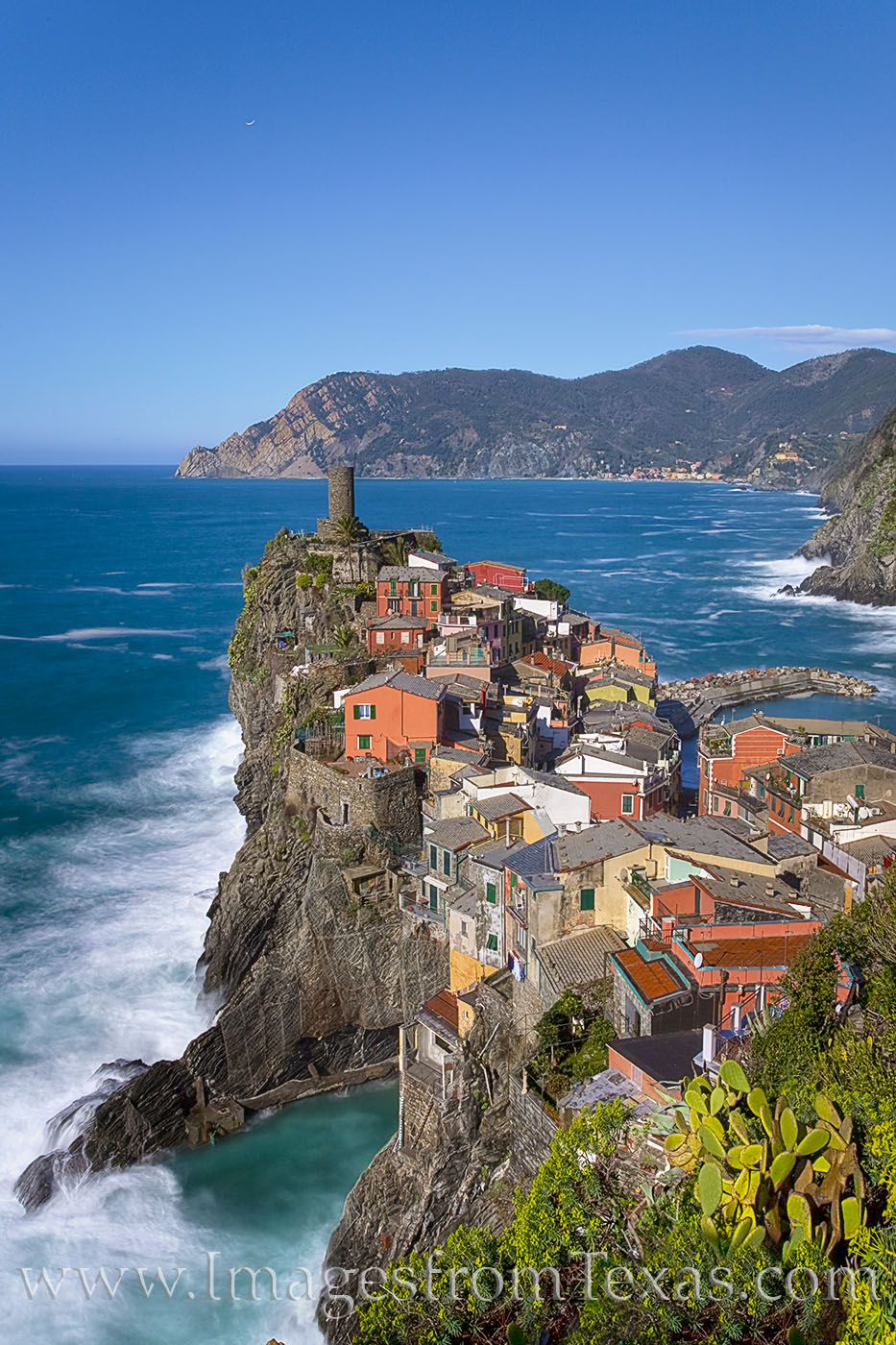 vernazza, cinque terre, italy, coast, italian riveria, ligurian sea, villages, sea, ocean, castle, 5 lands, travels, photo