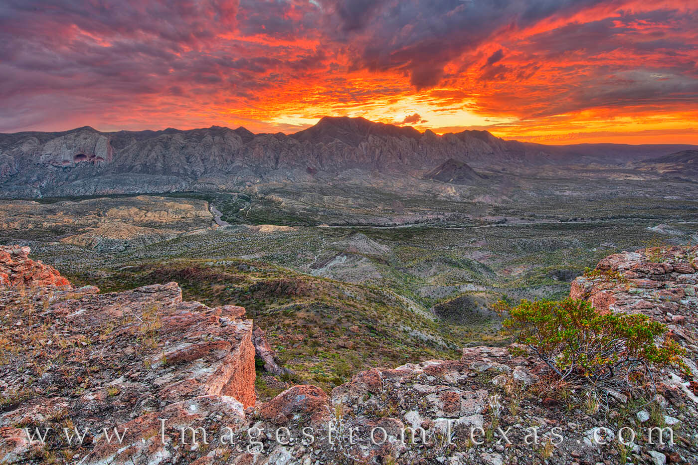 solitario, fresno canyon, big bend ranch state park, big bend, sunrise, west texas, laccolith, hiking, remote, rugged, canyon, chihuahuan desert, photo