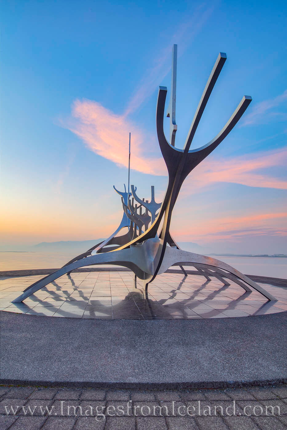 Created by Jón Gunnar Árnason, the Sun Voyager brings hope for exploration and humanity. This sculpture rests at the waterfront...