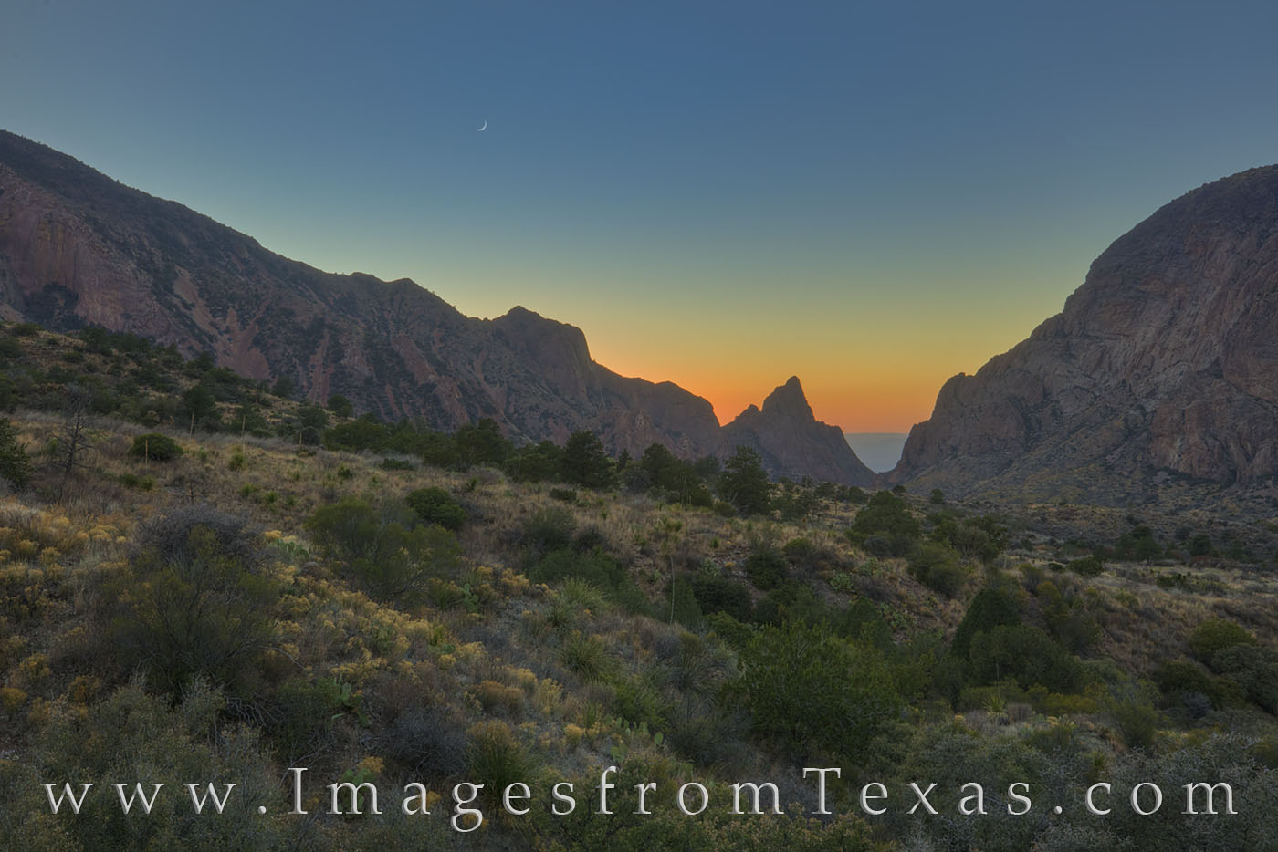 big bend, chisos lodge, chisos mountains, moon, crescent moon, chihuahuan desert, evening, national parks, landscapes, photo