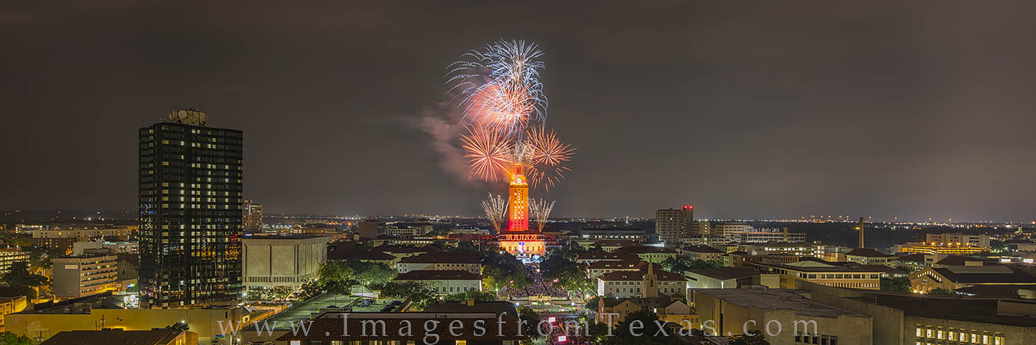 UT Tower, Fireworks, University of Texas, UT Austin, fireworks images, austin texas images, UT 2016, panorama, Texas campus, photo