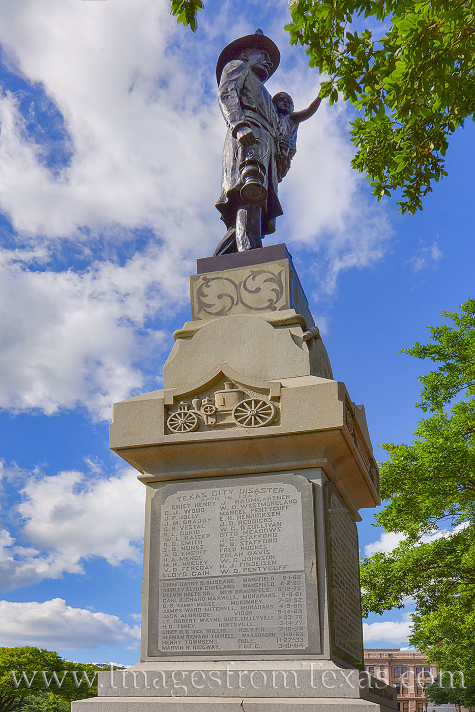 texas state capitol, monuments, volunteer fireman, capitol monuments, austin texas, photo