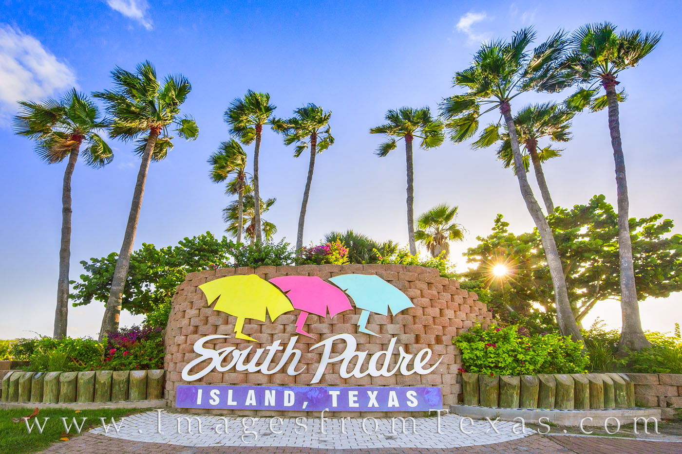 south padre island, laguna madre, queen isabel causeway, port isabel, welcome sign, sign, morning, greetings, photo